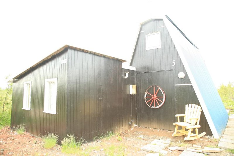 Cottage by lake Thingvellir – semesterbostad i Skalafell