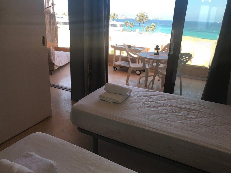 IBIZA Playa d embossa flat I, vacation rental in Es Canar