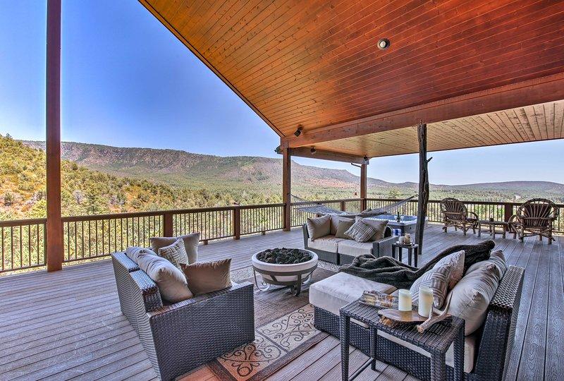 'AZ Rim Retreat' in Pine w/Deck, Hot Tub & Views!, vacation rental in Pine
