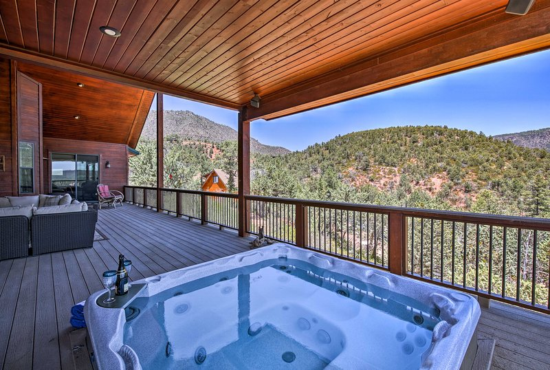 This 3-bed, 2-bath vacation rental home boasts a spacious entertainment deck.