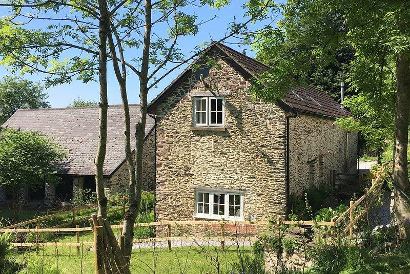 Toads Breech - lovely stone barn conversion