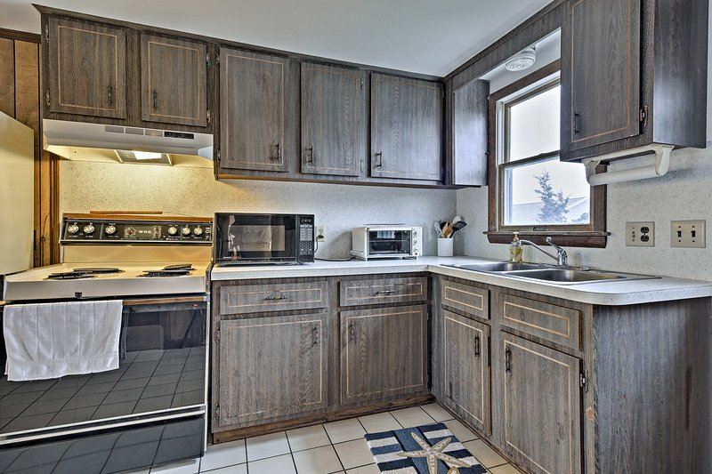 Prepare seafood dinners in the fully equipped kitchen.