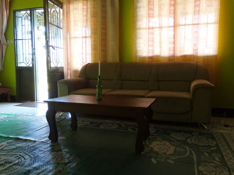 Convenient house close to the city with WiFi, location de vacances à Rwanda