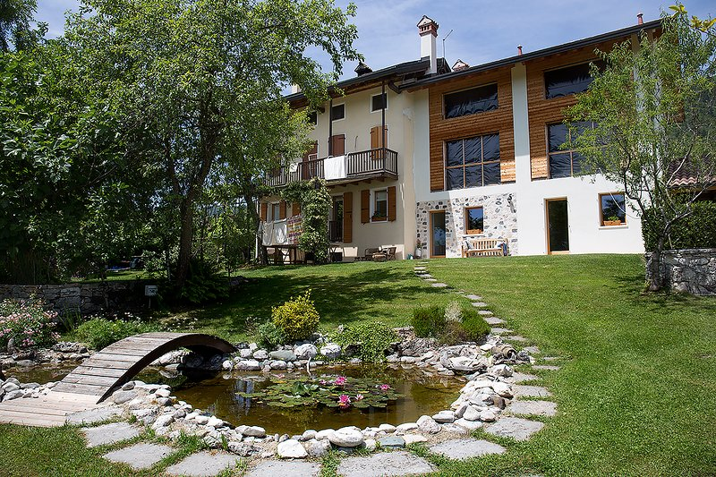 Alpine country lodge 'L'altra strada', holiday rental in Sovramonte