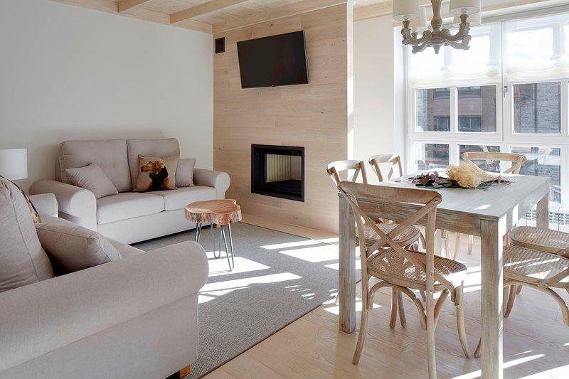 Val de Ruda Luxe 54 by FeelFree Rentals, vacation rental in Son