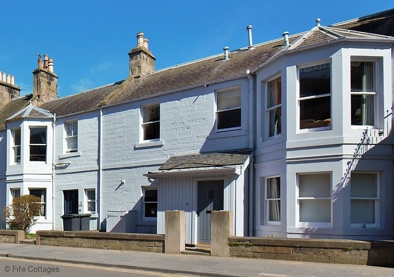 5 Golf Place, St Andrews, KY16 9JA, holiday rental in St Andrews