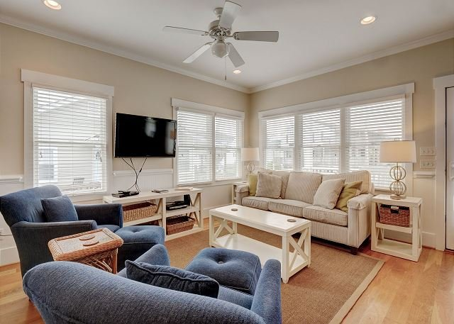 Knot for Sail Living Room