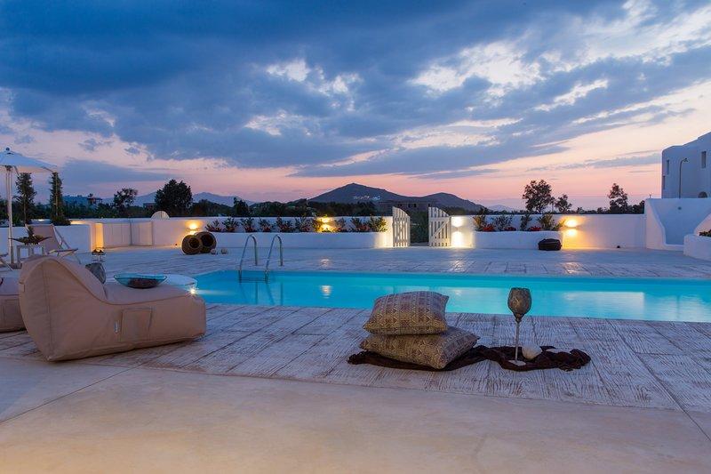 Naxian Lounge Estate | 2 Private Villas in Naxos, location de vacances à Naxos (ville)