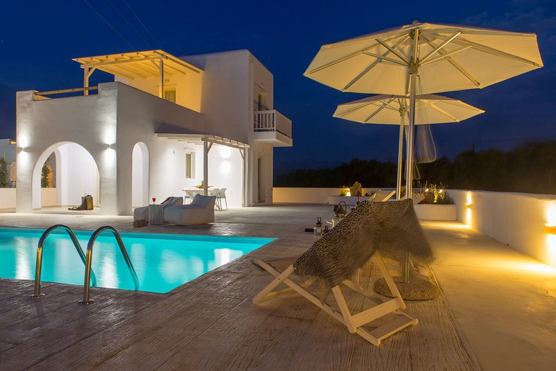 Naxian Lounge Villas | Villa III with private pool, holiday rental in Agia Anna