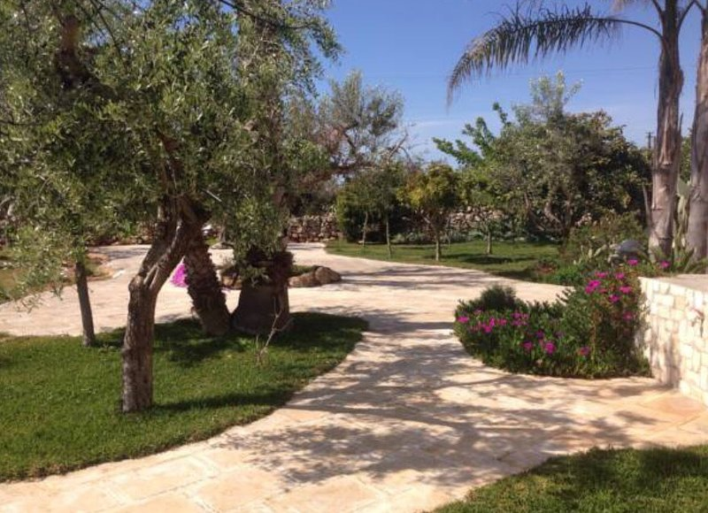 Villa surrounded by greenery with sea view at 700 mt
