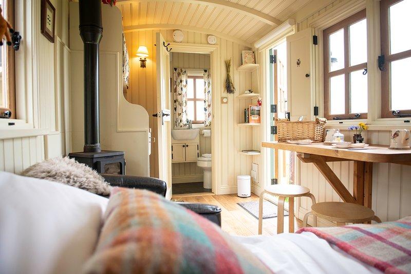 Morndyke Shepherds' Huts, holiday rental in Knayton