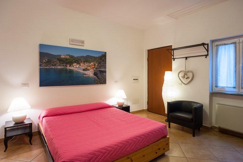 Appartamento Monterosso (Casa Vacanze La Frontiera, holiday rental in Sesta Godano