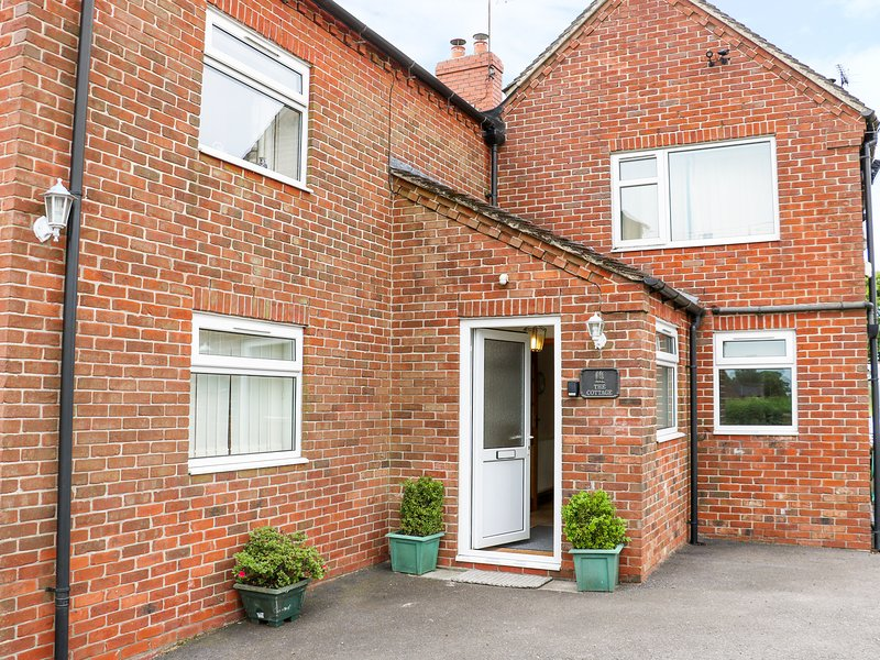 THE COTTAGE, countryside views, Hulland Ward, vacation rental in Hulland Ward