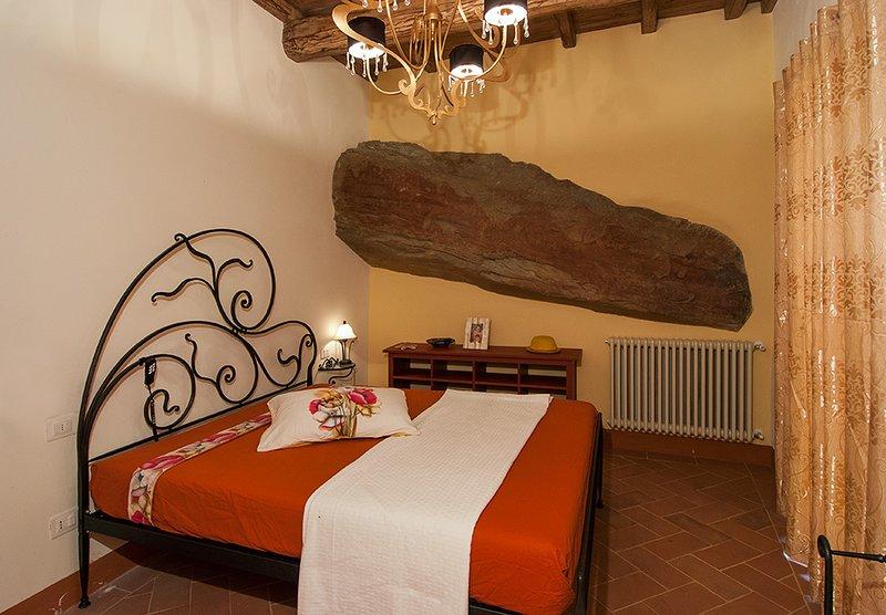 Appartamento Scoglio Fattoria de' Toscani di Starace Marialaura, vacation rental in Talla