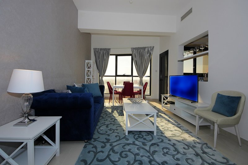 Beautiful One bedroom in Marina   - Escan, aluguéis de temporada em Jebel Ali