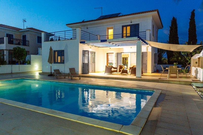 Nirvana Seaside Villa 29, vacation rental in Pervolia