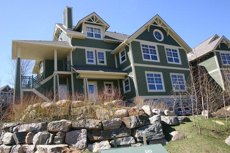 Your beautiful building, holiday-pleasures guaranteed !