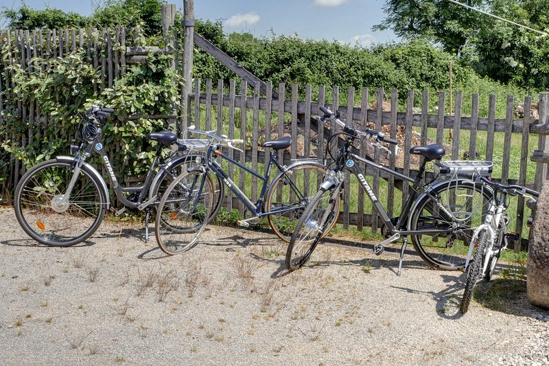 bikes available, two electric bikes