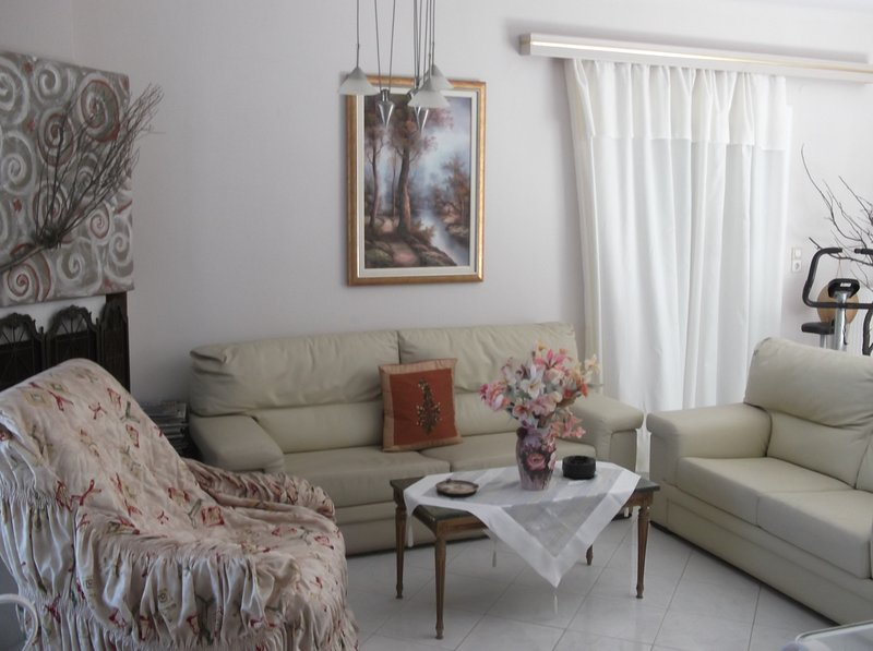 Vera's Paradise. Just steps from the beach!, holiday rental in Pachia Ammos