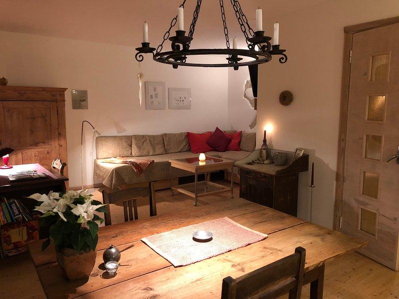 Artisan Studio Khiron a une ambiance chaleureuse tout moment de l'année.