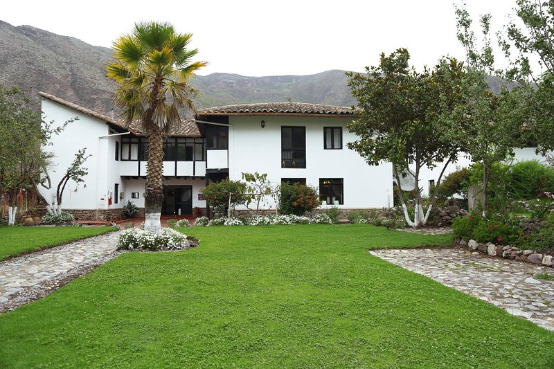 The Sacred Valley Lodge - Hotel Cusco, holiday rental in Urquillos