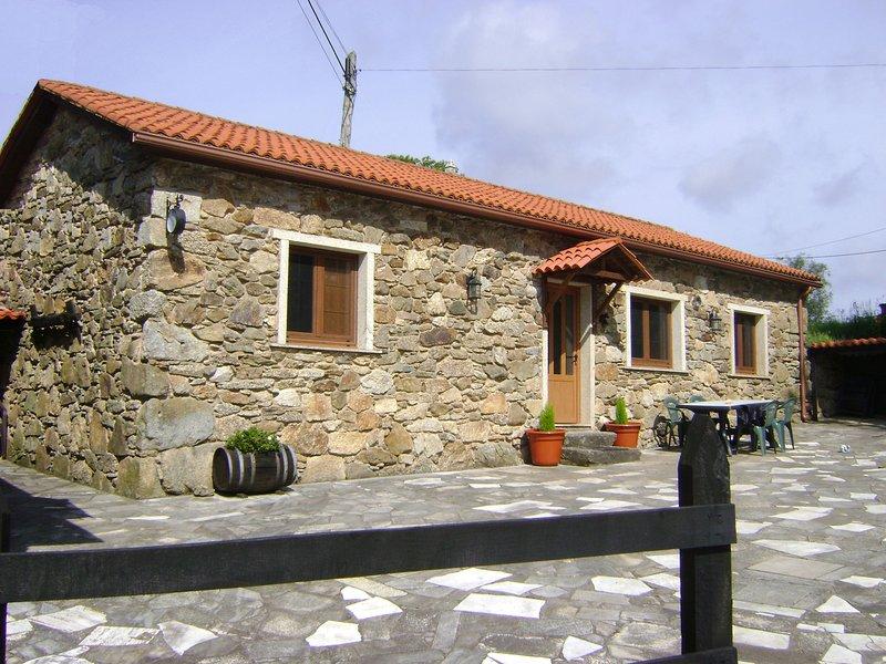 Casa de piedra Rustica, holiday rental in Friol