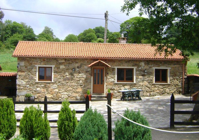 Casa de Piedra MISTICA, alquiler de vacaciones en Melide