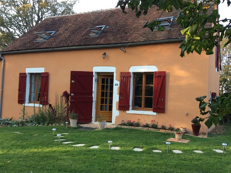 Beautiful house with garden, holiday rental in Lainsecq
