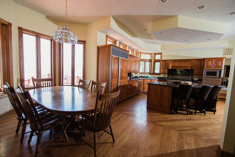 In addition to the breakfast nook you can also enjoy talking to the cook or eating at the Island.