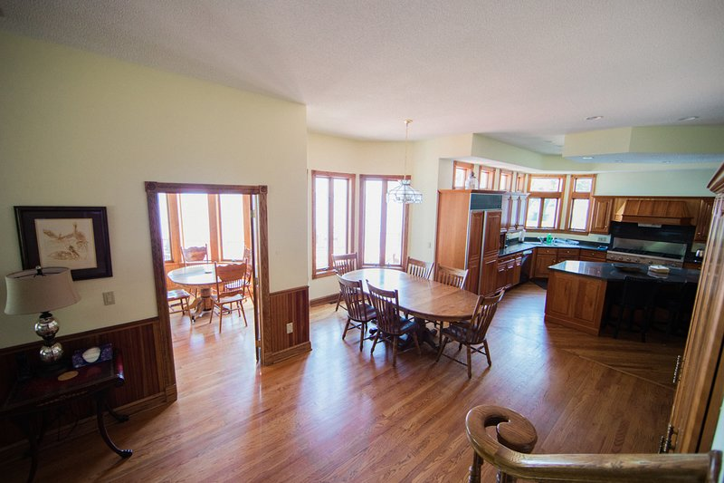Enjoy your meals gazing at the lake in the breakfast nook or the Florida room.
