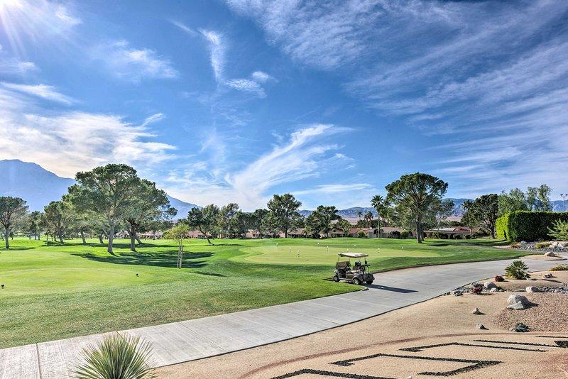 Gönnen Sie sich Runden Golf oder viele andere Annehmlichkeiten genießen.