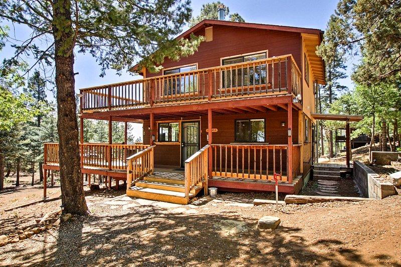 Dit 2 verdiepingen tellende oase heeft alles wat u nodig heeft voor uw Prescott vakantie.