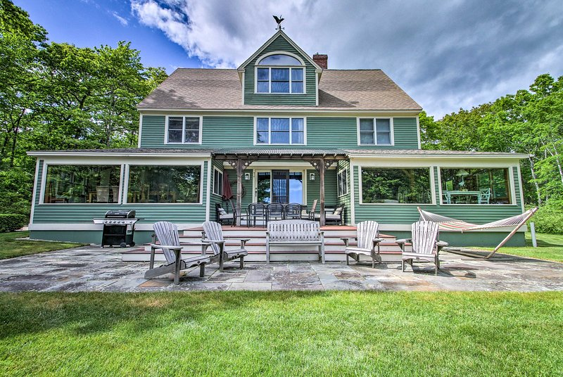 Spacious Home w/View - 2 Mi. to Goose Rocks Beach!, alquiler de vacaciones en Biddeford Pool