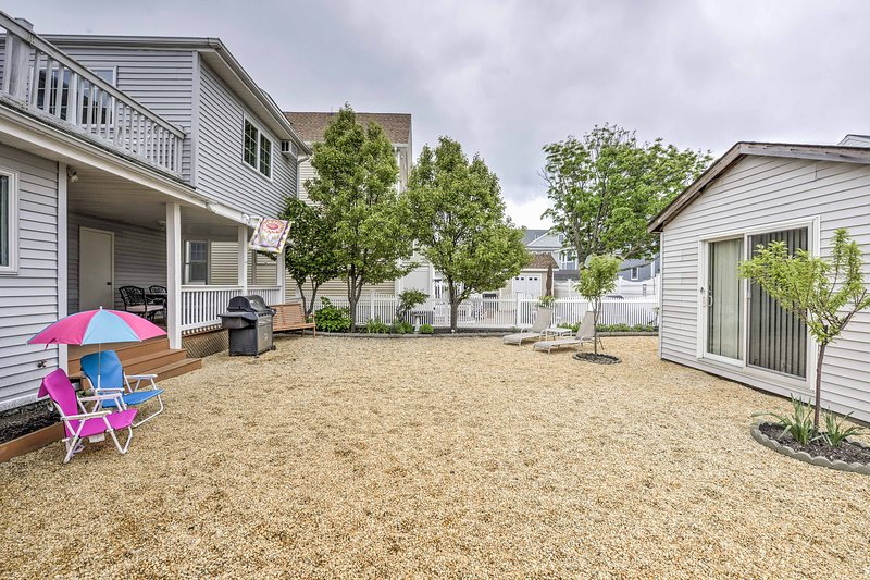 The 2BR, 2-bath unit offers 1,300 square feet and a large shared yard.