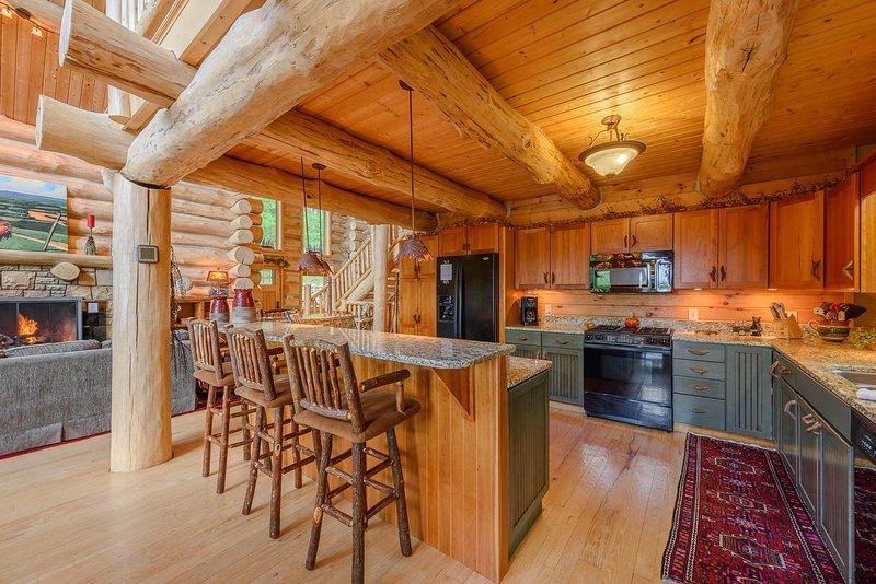 Barsitzplätze neben der Küche in der Spice Mountain Lodge
