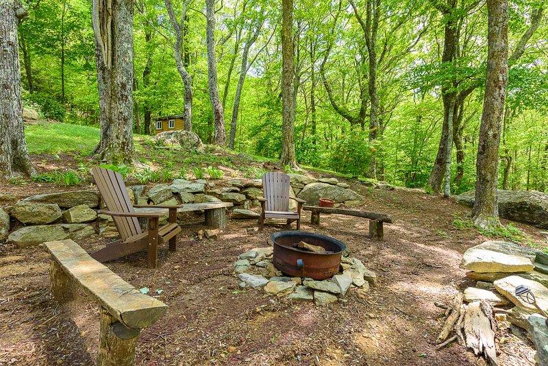 Feuerstelle unterhalb der Spice Mountain Lodge