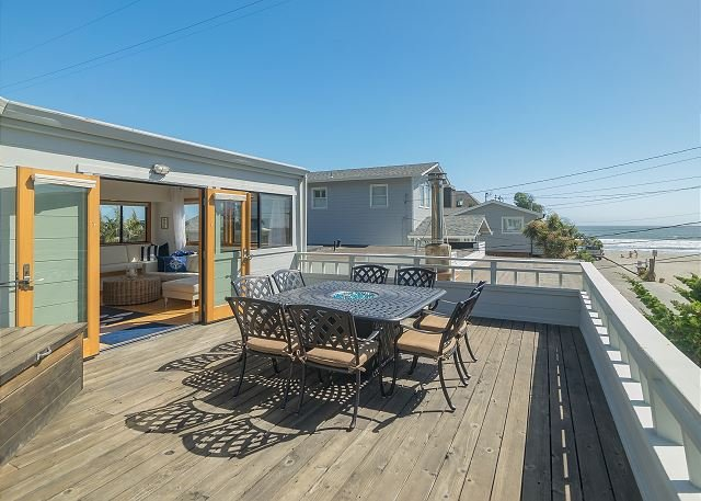 40' to Beach! Upscale Bungalow w/ Ocean Views, Hot Tub, Deck & Fire Pit, alquiler de vacaciones en Bolinas
