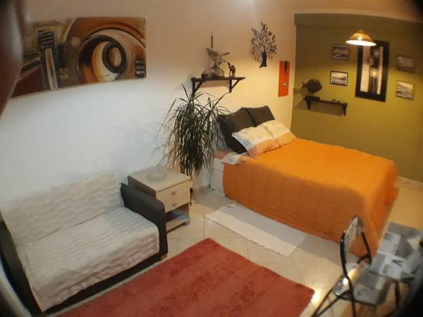 Beautiful apt in Moscavide & Wifi, holiday rental in Sacavem
