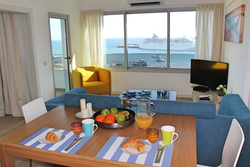 Overlooking the Marina, central location | Petronella Marina Apartment, holiday rental in Madeira