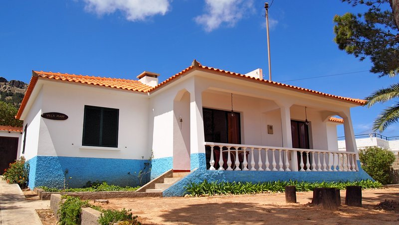Spacious family villa only 100m from the golden beach | Villa Mary, vacation rental in Porto Santo Island