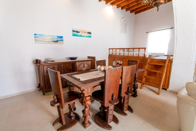 Marianna's House in Asklipio, holiday rental in Laerma