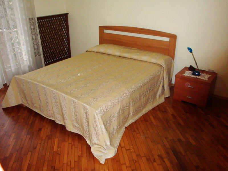 GROS HOME Apartament Mestre center, holiday rental in Zelarino
