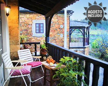 Big house with garden & Wifi, holiday rental in Portela do Fojo