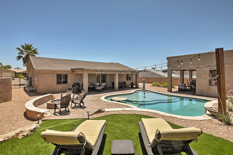 Lake Havasu Luxury: Family Home w/ Outdoor Oasis! – semesterbostad i Parker Dam