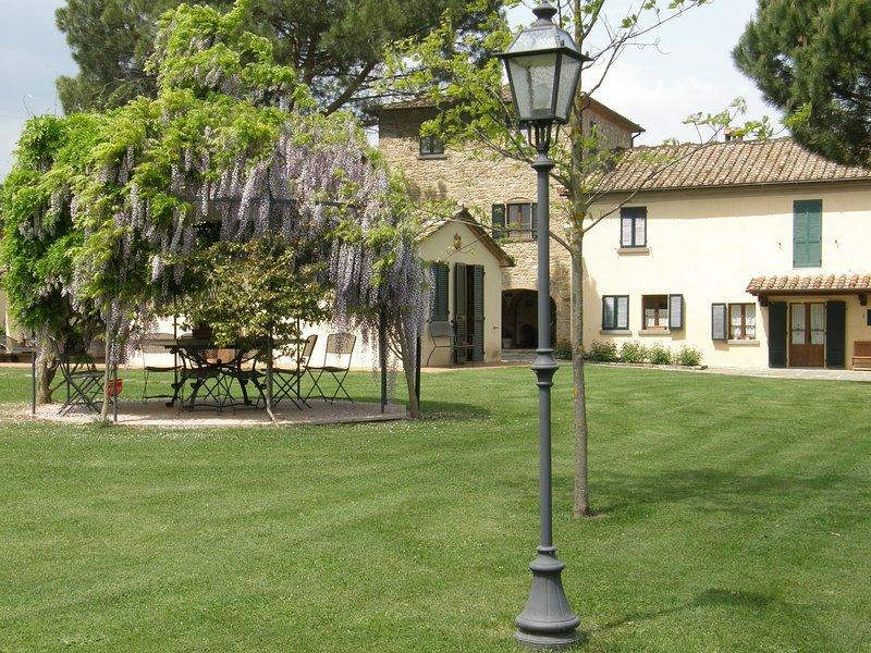 Das Hotel liegt im Innenhof eines schönen toskanischen Bauernhaus, werden Sie die Ruhe der Landschaft der Toskana genießen