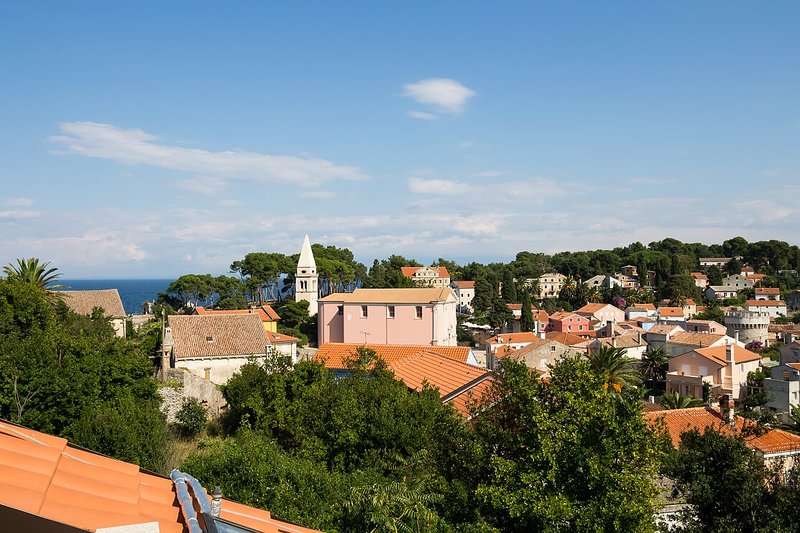 PEPERMINT 2 - apartment for 2+2 persons view to the Veli Losinj town, holiday rental in Veli Lošinj