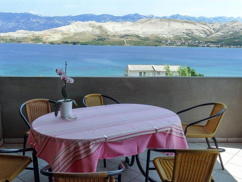 Apartments A4 80 m from the beach, location de vacances à Bosana