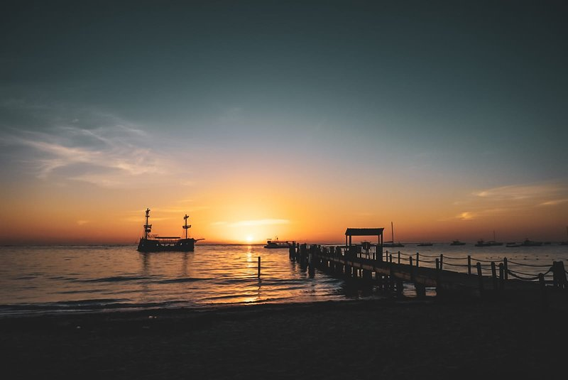 Los Corales Beach à Sunrise