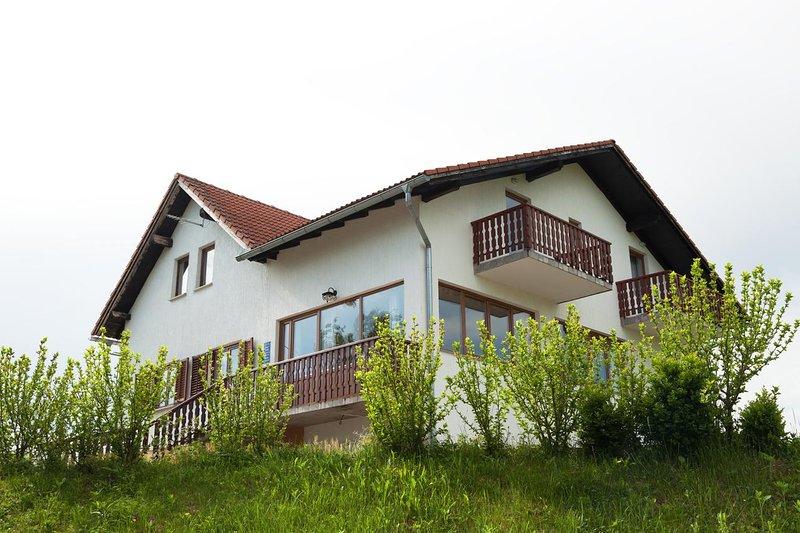 Two bedroom apartment Smoljanac, Plitvice (A-14023-a), location de vacances à Dreznicko Seliste