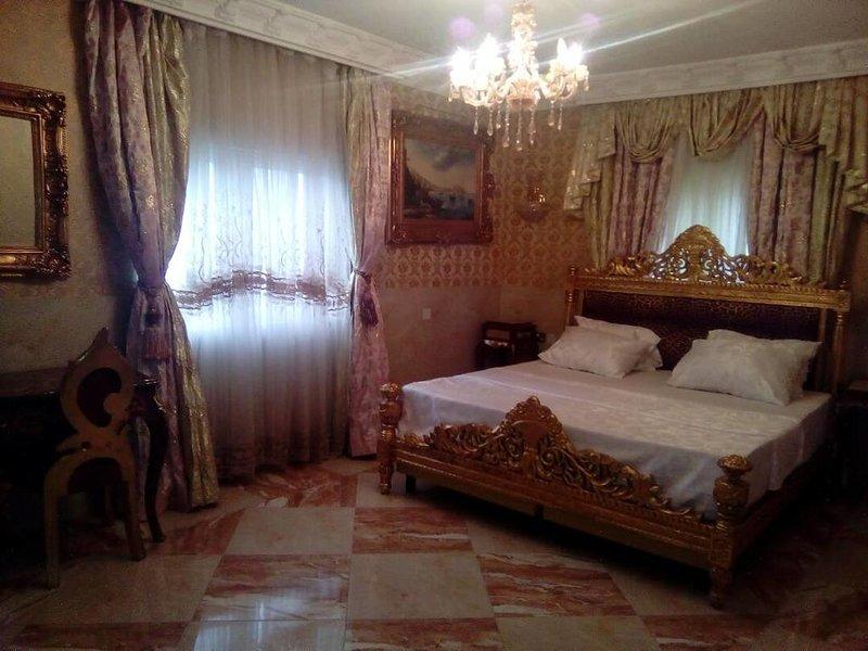 Grand Emperor Hotel Deluxe Room5, alquiler vacacional en Lekki